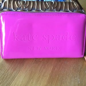 Hot pink Kate Spade wallet perfect condition